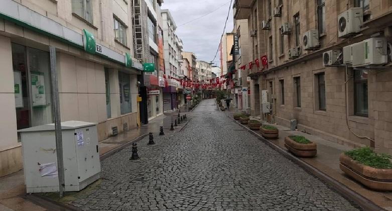 Bayram sabahı Giresun'da sokaklar boş kaldı