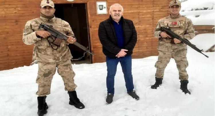Sisdağı Yaylasında Mahsur Kalan Vatandaşı Jandarma Kurtardı