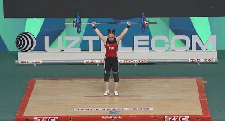 Milli halterci Cansu Bektaş, Gençler Dünya Şampiyonu oldu